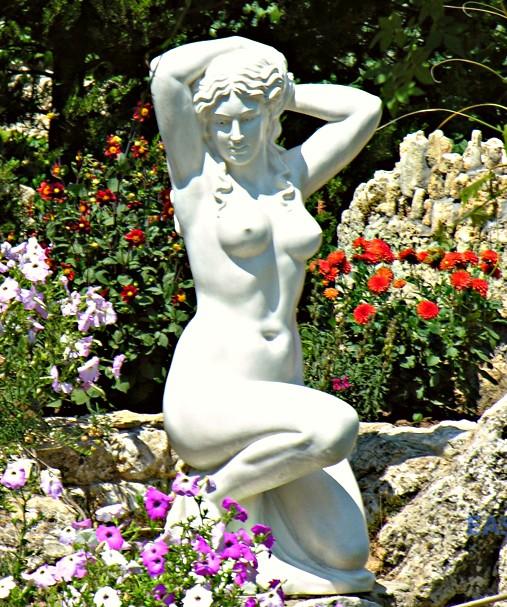 Купить статуи из бетона у какого вида ячеистого бетона образуется горбушка